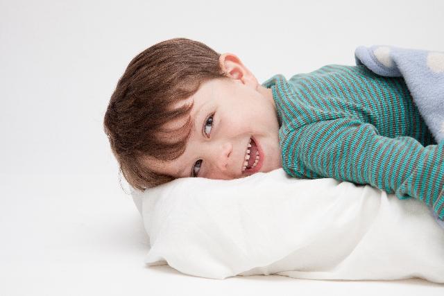 寝つきが悪い子供・赤ちゃんへの対策はコレ!早く眠れるようになるコツとは?