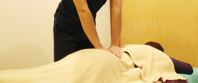 骨盤矯正を産後に行う場合はいつから?整体や体操を効果的に行う方法!