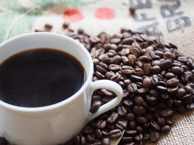 コーヒーは健康効果あるの?何杯以上飲んだらカフェイン中毒になるの?