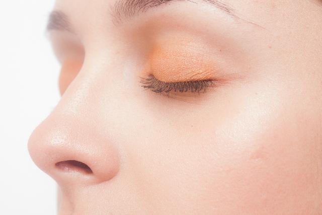 鼻の脂の成分と原因は?においや角栓の対策について!