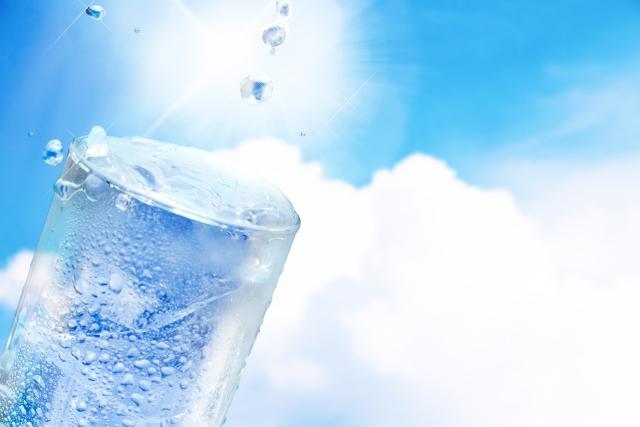 水素水の効果は本当だった?!水素水は体の中と外から!
