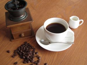 デカフェ・カフェインレス・ノンカフェインとは?妊婦が安心して飲めるのはどれ?