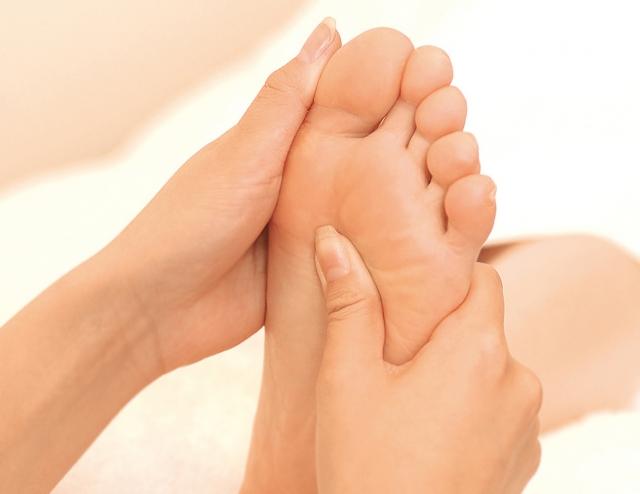 足つぼのマッサージはなぜ痛い?効果はあるの?